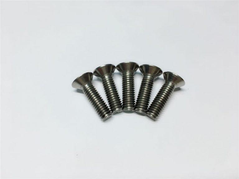 ریڑھ کی ہڈی کی سرجری کے لئے M3 ، M6 ٹائٹینیم سکرو فلیٹ ہیڈ ساکٹ ہیڈ کیپ ٹائٹینیم فلینج پیچ۔